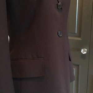 Beautifully tailored Anne Klein pant suit.